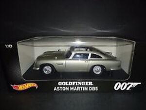 1-18-Hot-Wheels-Modellino-Film-ORIGINALE-DITO-D-039-ORO-ASTON-MARTIN-DB5