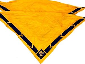 Vintage-Boys-Scouts-Of-America-BSA-Neckerchief-Lot-Of-2-Gold-Blue-Scarf