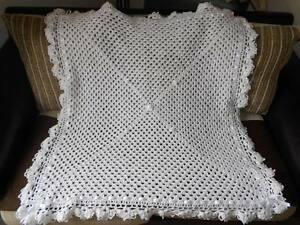 WHITE-HANDMADE-CROCHET-40-INCHES-PHOTO-PROP-NEW-BABY-RBORN-BLANKET-SHAWL