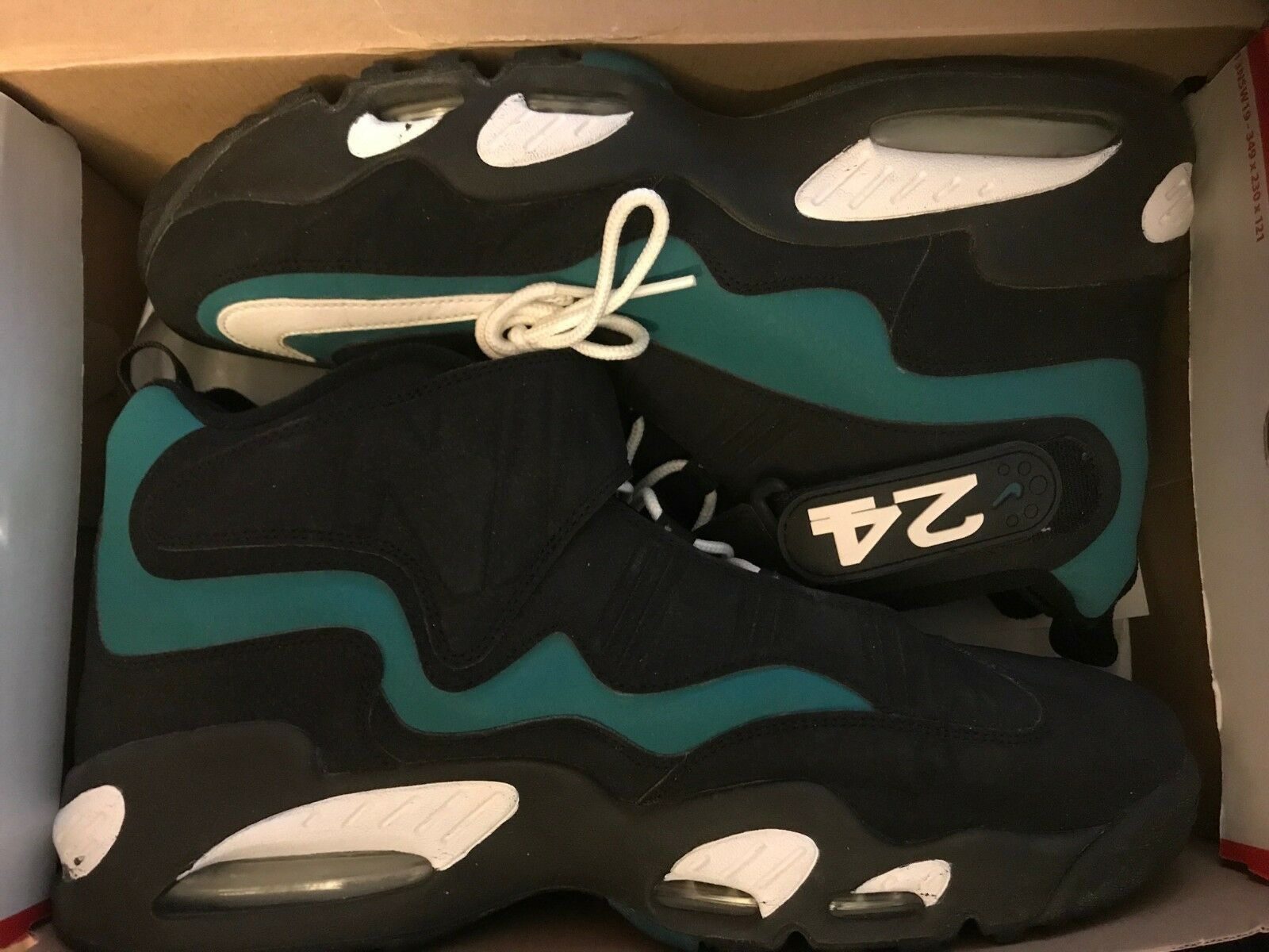 Nike griffey size 13 worn once and hat size 7 1 8