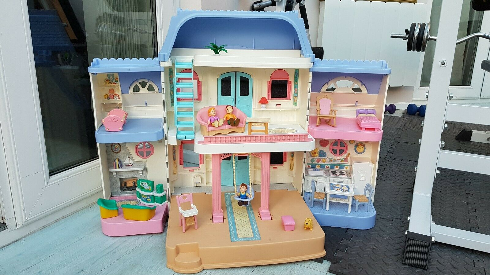 Fisher Price 1997 Large Foldable Dolls House With Furniture
