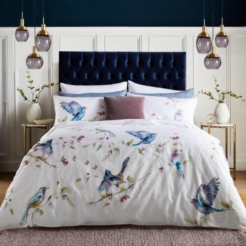 Voyage Maison Spring Flight Duvet Set 100/% Cotton 220 Thread Count Bedding