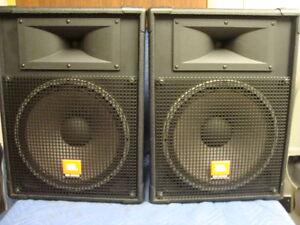 jbl speakers mr925 series 15 pair ebay. Black Bedroom Furniture Sets. Home Design Ideas