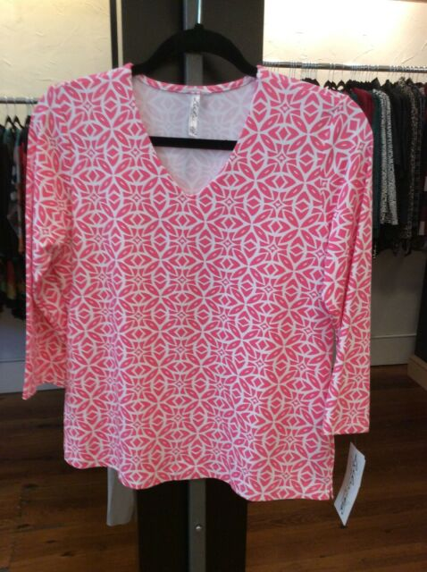 Small V-neck Lulu B Top UPF 50 Retail $64