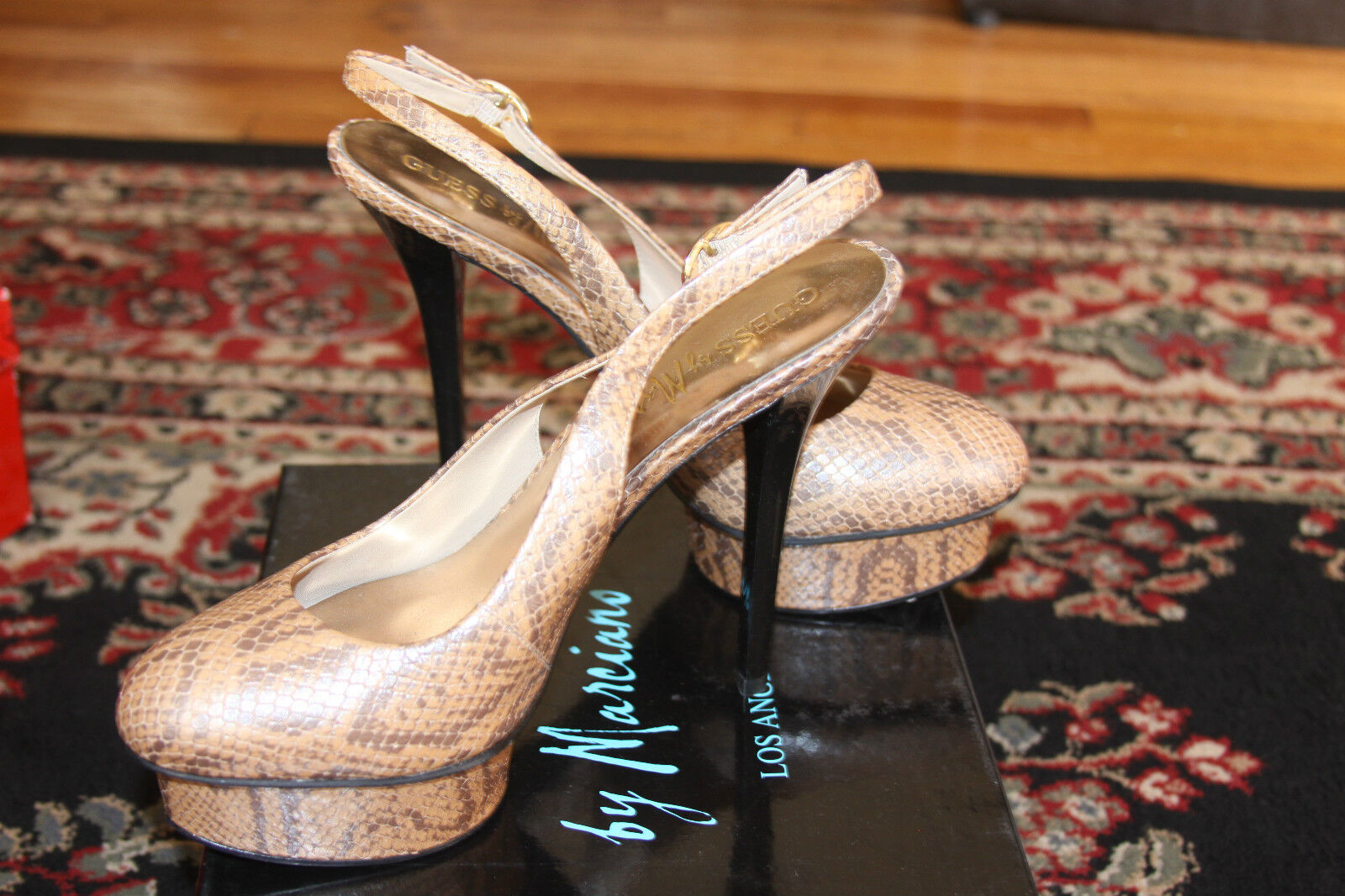 GUESS BY MARCIANO CHATA PLATFORM PUMP SIZE 8.5