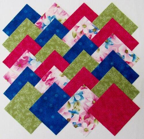 """40 4/"""" FLORAL FLARE Fabric Quilt Squares Quilting Pink Aqua Blue Flower Material"""