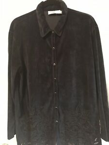 Newport News Easy Style Black Snap Button Down Blouse With