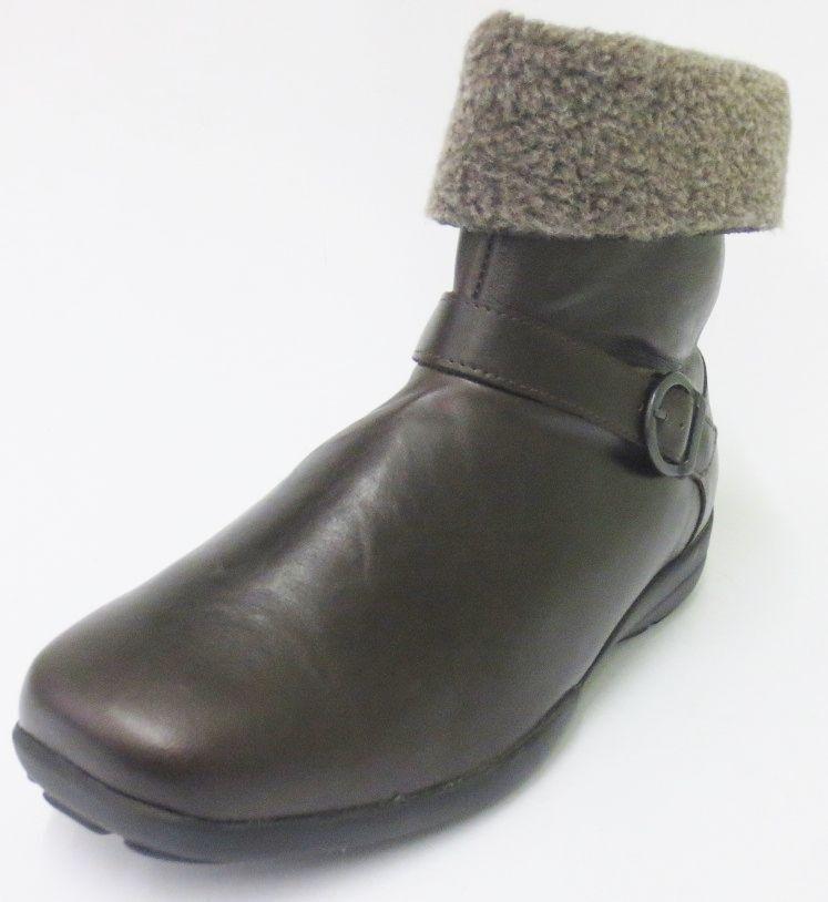 Ausverkauf Easy B DB Adelaide Damen braun Reißverschluss Leder Stiefeletten 4E