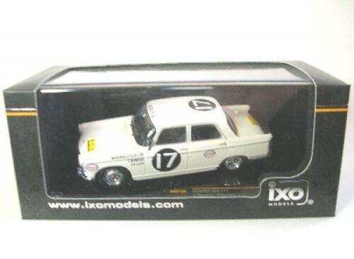 Peugeot 404 No 17 Rally Safari 1968
