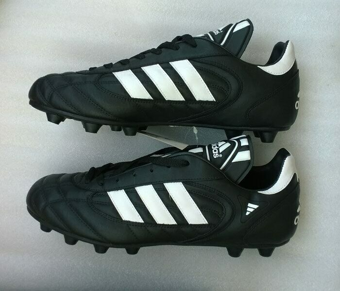 Men's Soccer shoes Football boots ADIDAS stratos liga 032945 size11 1 2