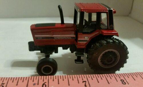 1//64 ERTL custom farm toy international ih farmall 3088 tractor with 2wd nice!