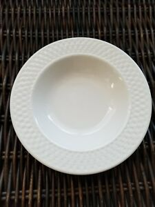 Set-of-2-ONEIDA-Westerly-Basket-9-Rimmed-Soup-Pasta-Bowls-White-EUC