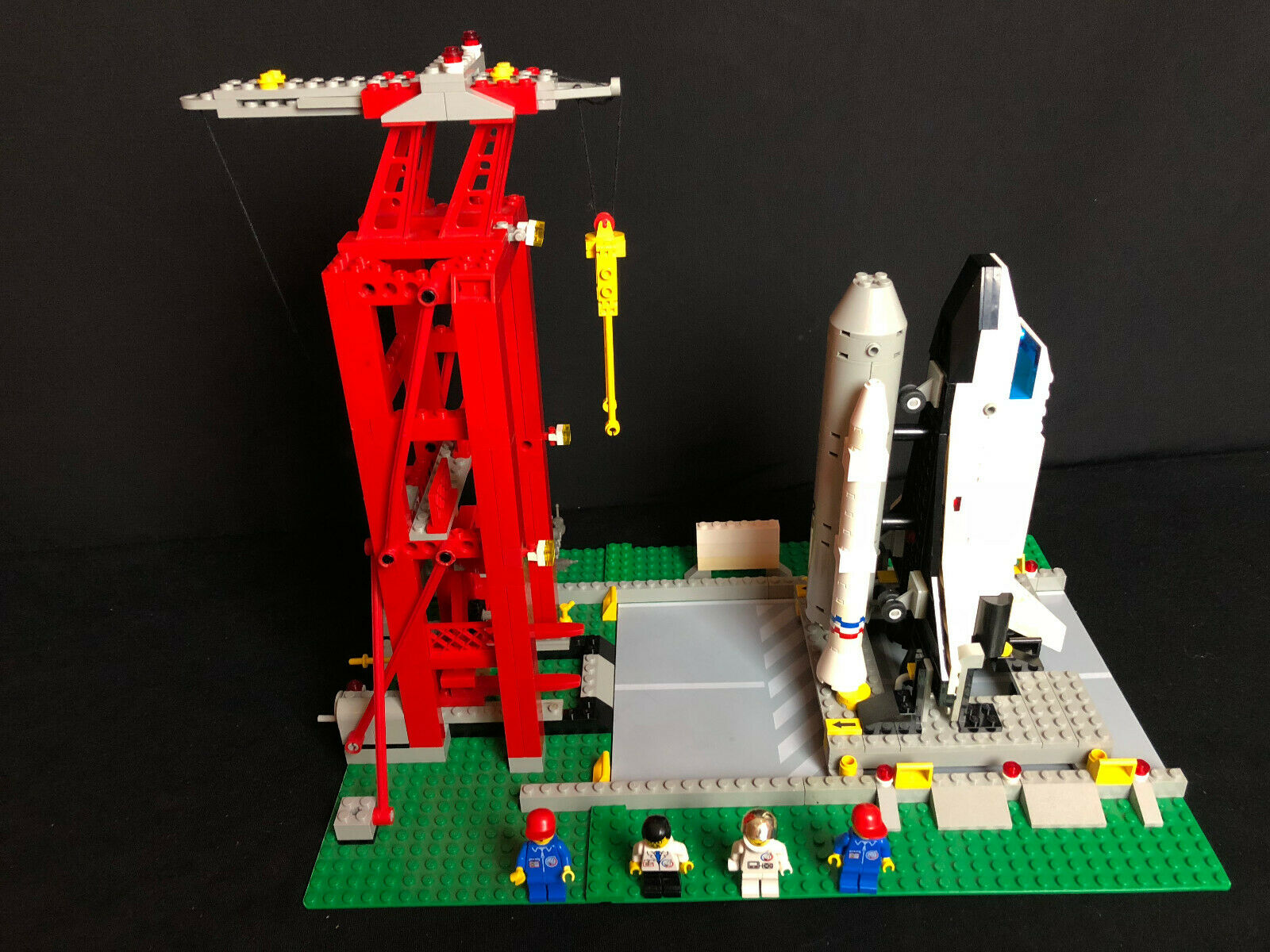 Lego 6339 Shuttle Launch Pad Town → Launch Command missiles Station space missile