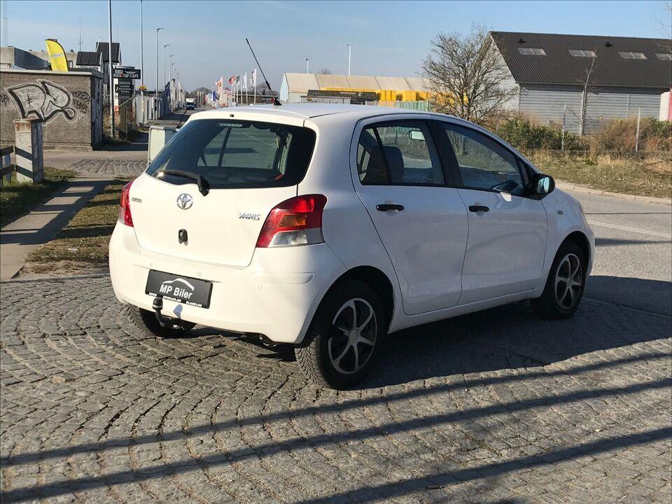 Toyota Yaris 1,0 T1 Benzin modelår 2010 km 155000 Hvidmetal