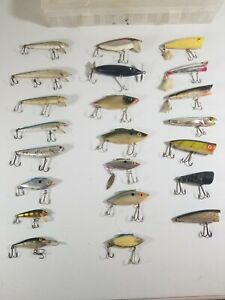 Lot-Of-22-Vtg-Fishing-Lures-Chug-Bug-Heddon-Chugger-Thin-Fin-Rapala-Deep-Runner