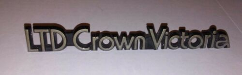 1988-91 FORD LTD CROWN VICTORIA POST PILLAR EMBLEM