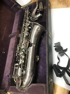 Very-Old-BUESCHER-SAXOPHONE-Low-Pitch