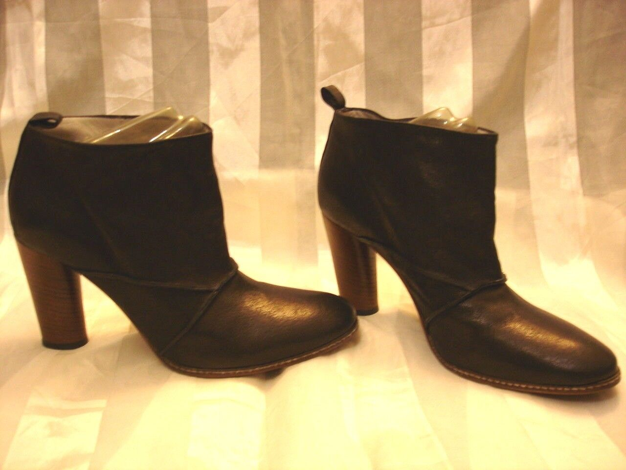 EILEEN SHIELDS Womens Black Leather Shoes Booties Boots Size 38 1/2 Italy