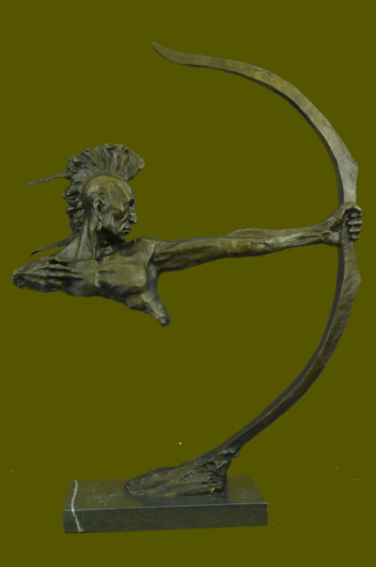 NICE BRONZE INDIAN WARRIOR WITH BOW AND ARROW SCULPTURE STATUE WESTERN FIGURINE