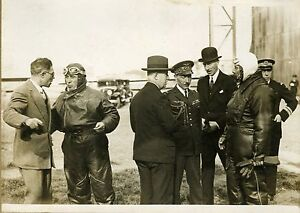 """Mr DUMESNIL et son pilote COSTES"" Photo originale G. DEVRED (Agence ROL) 1931 ttnr951e-07224240-516589031"
