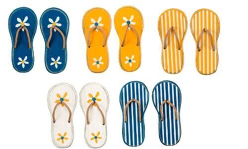Flip Flop Magnets ~ Set of 5 ~ Beach//Cottage//Ocean ~ Summertime Fun ~ 23831 New