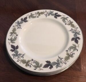 LOT-OF-4-ROYAL-DOULTON-BURGUNDY-SALAD-PLATES-7-7-8-034-D-TC-1001-VERY-LIGHT-USE-EX
