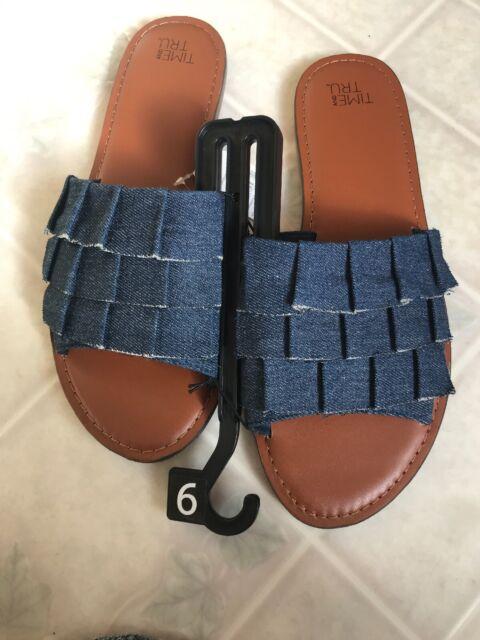Tru Ruffle Slide Sandals
