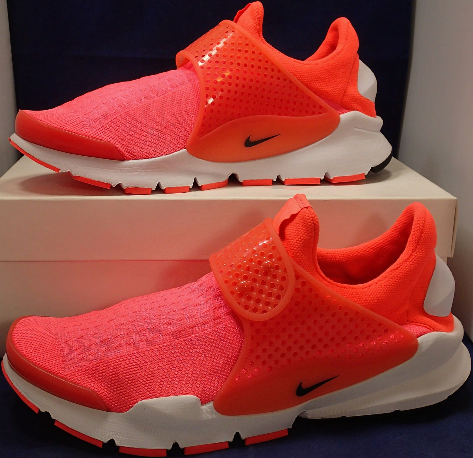 Womens Nike Sock Dart iD White Bright Crimson SZ 12 // Mens SZ 10.5 (880958-991)