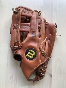 Wilson A2665 Baseball Mitt/Glove Right Hand Throw Leather