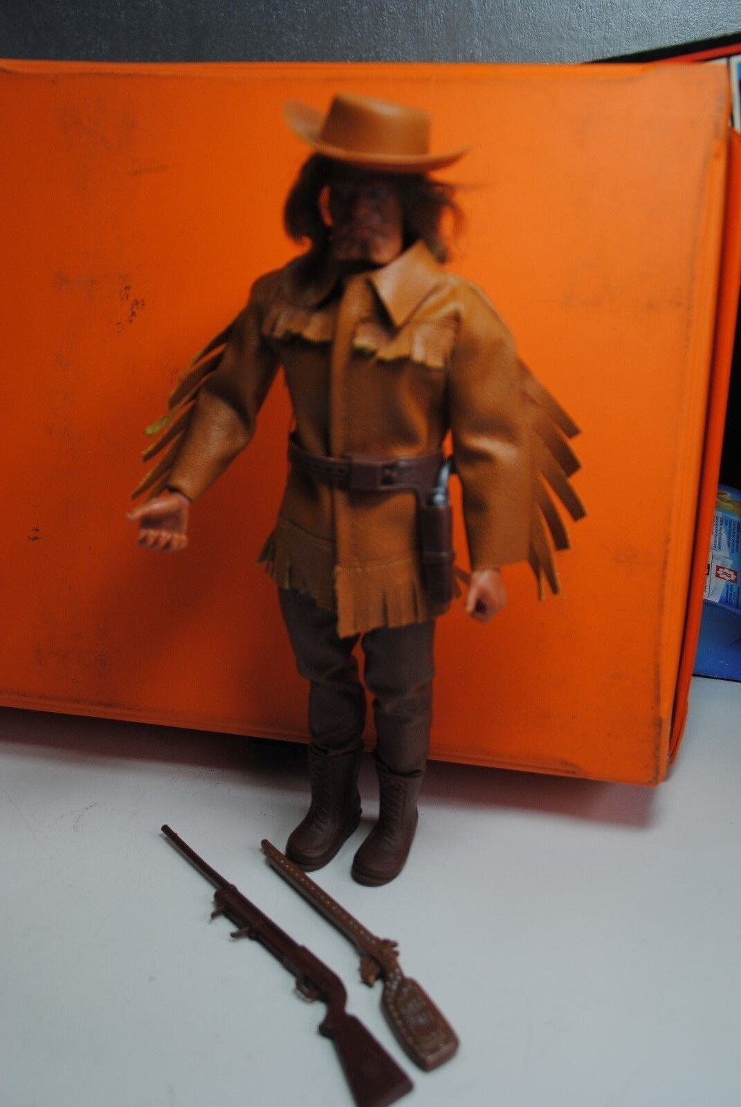 BIG BIG BIG JIM MATTEL KARL MAY  OLD SURE  HAND   IN WESTERN OUTFIT  NICE 892e7c