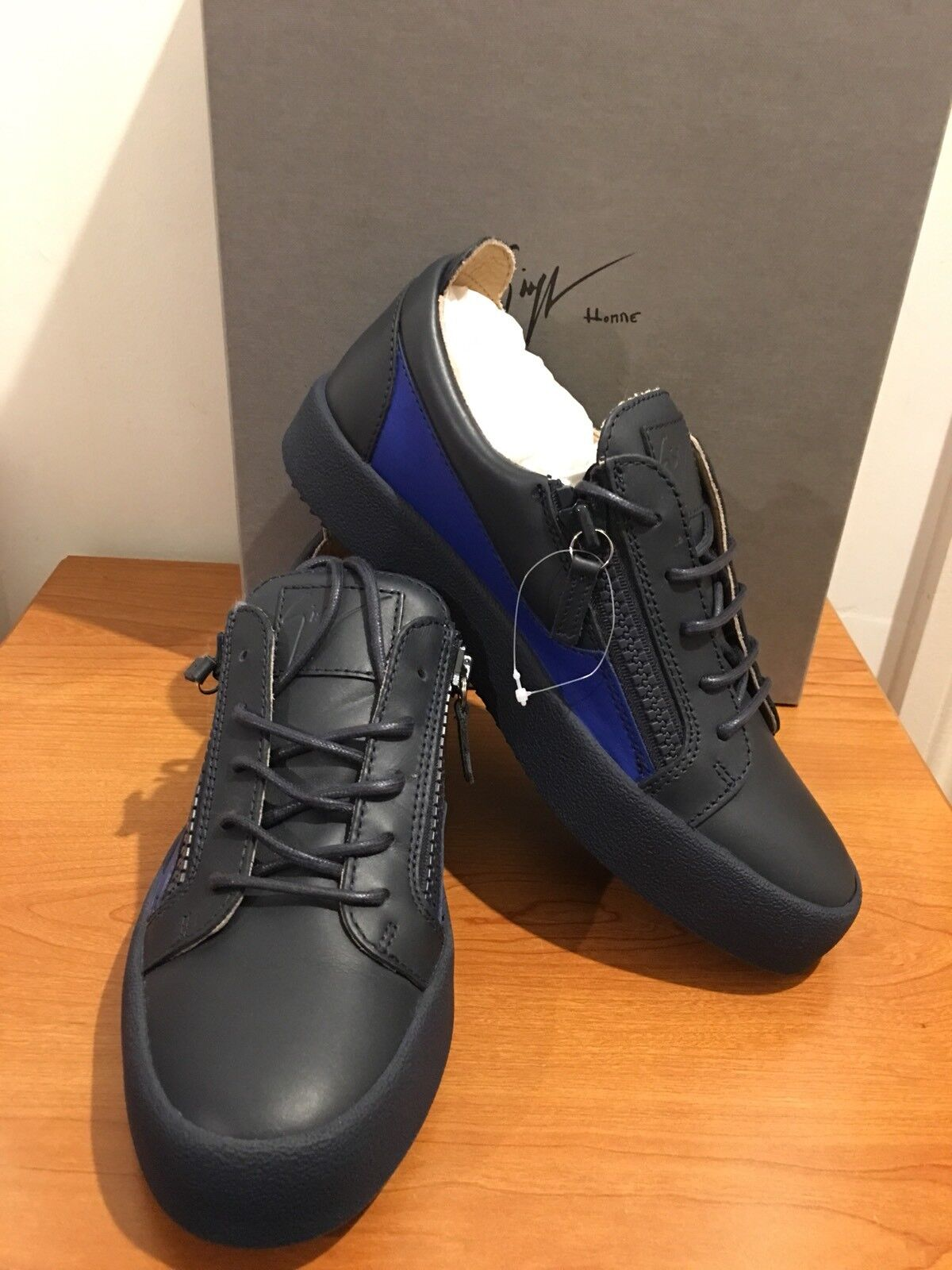 GIUSEPPE ZANOTTI  Low Top Trainers with Contrasting Panel Size UK 6 EU40