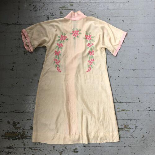 Vintage Antique 1920's Embroidered Floral Pongee S