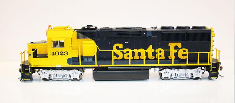 Fox Valley EMD GP60 Santa Fe ståard DC HO MIB