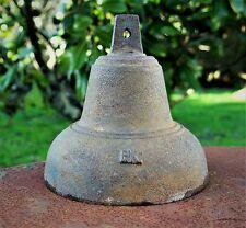 Ancienne grande cloche fer fonte,bourdon,XIXE,XXE,pas à vache,portail,sonnerie.