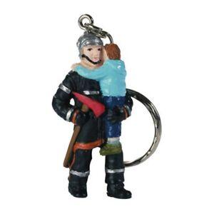 Schlüsselanhänger Feuerwehrmann mit Kind