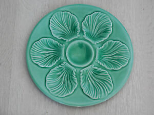 SET-of-8-FRENCH-ART-MAJOLICA-OYSTER-SERVING-PLATES-TURQUOISE-CELADON-color