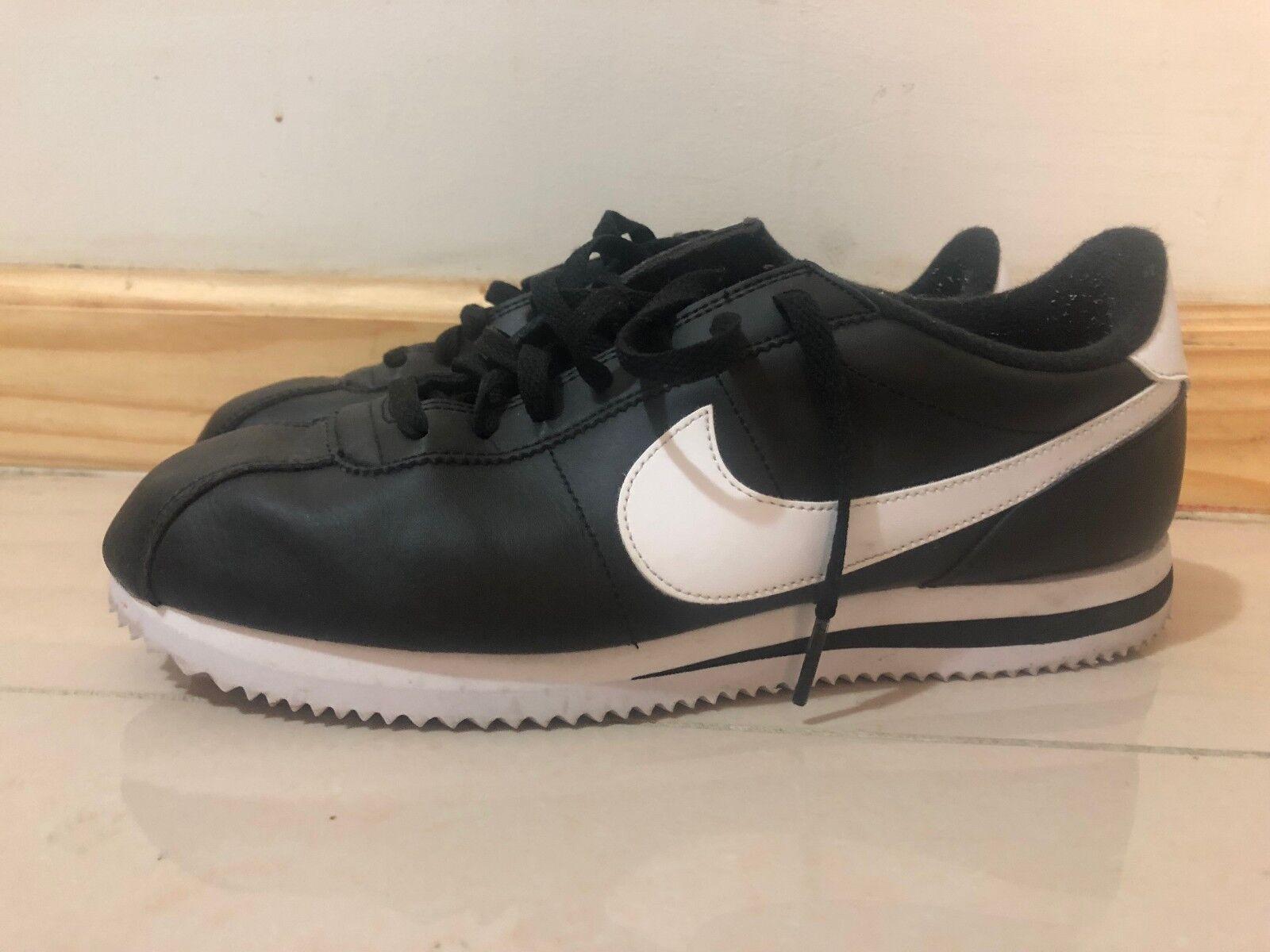 Nike cortez dimensioni in bianco e nero, nuovo di zecca