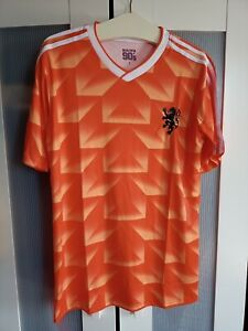Beautiful 90's Holland football shirt, small.