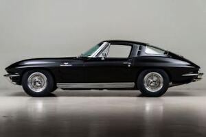 Corvette-1963-1-Chevrolet-Built-20-Sport-25-Race-16-Car-18-Vintage-24-Model-12