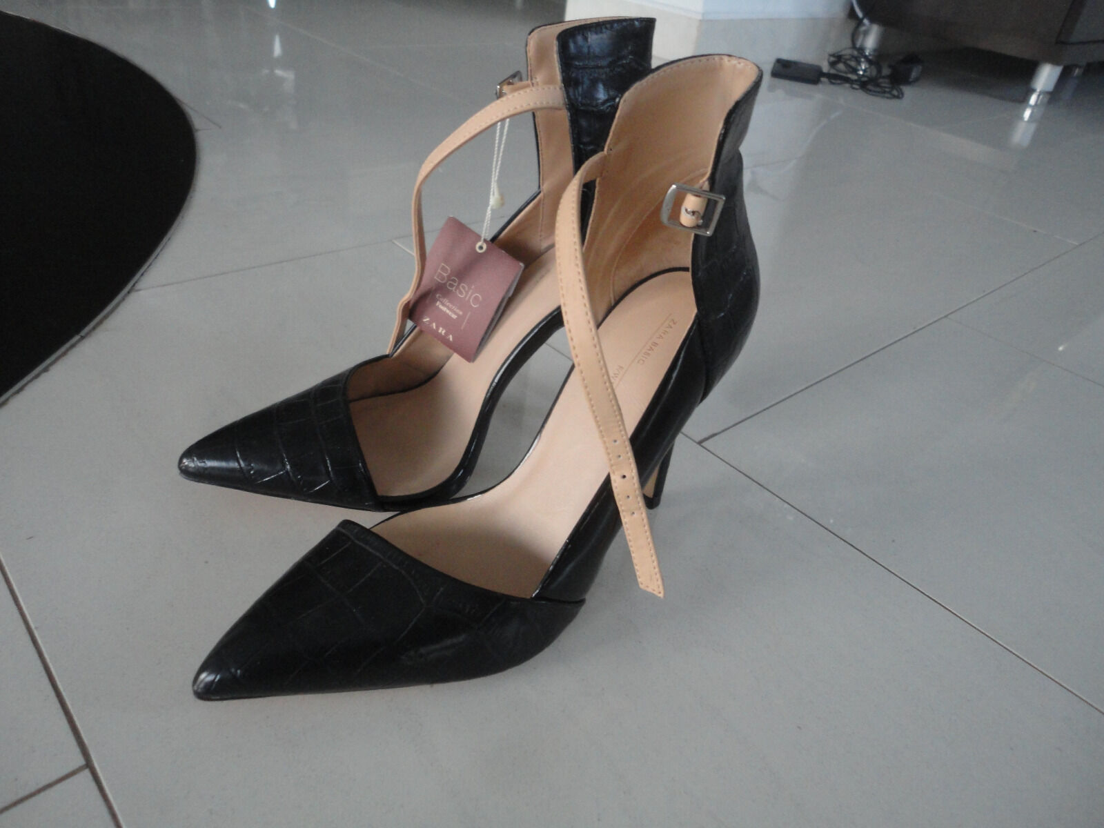 Zara Leder schwarz  High Heels Pumps Gr. 38