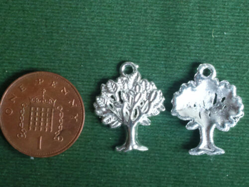Nature Life Acorn Strength Wicca  BUY 4 GET 1 FREE 10 Oak Tree Charms bright