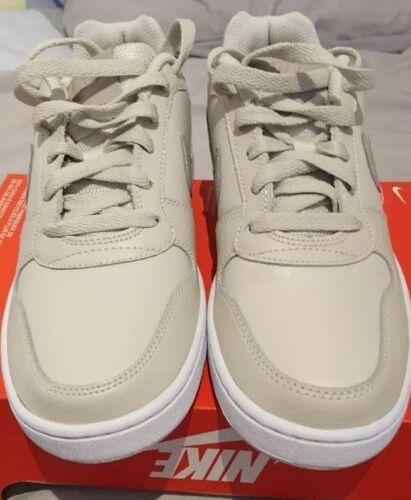 para 002 Low Sand 4 de baloncesto Ebernon mujer Desert 5 Aq1779 Taupe Nike Uk Zapatillas ZvSHO