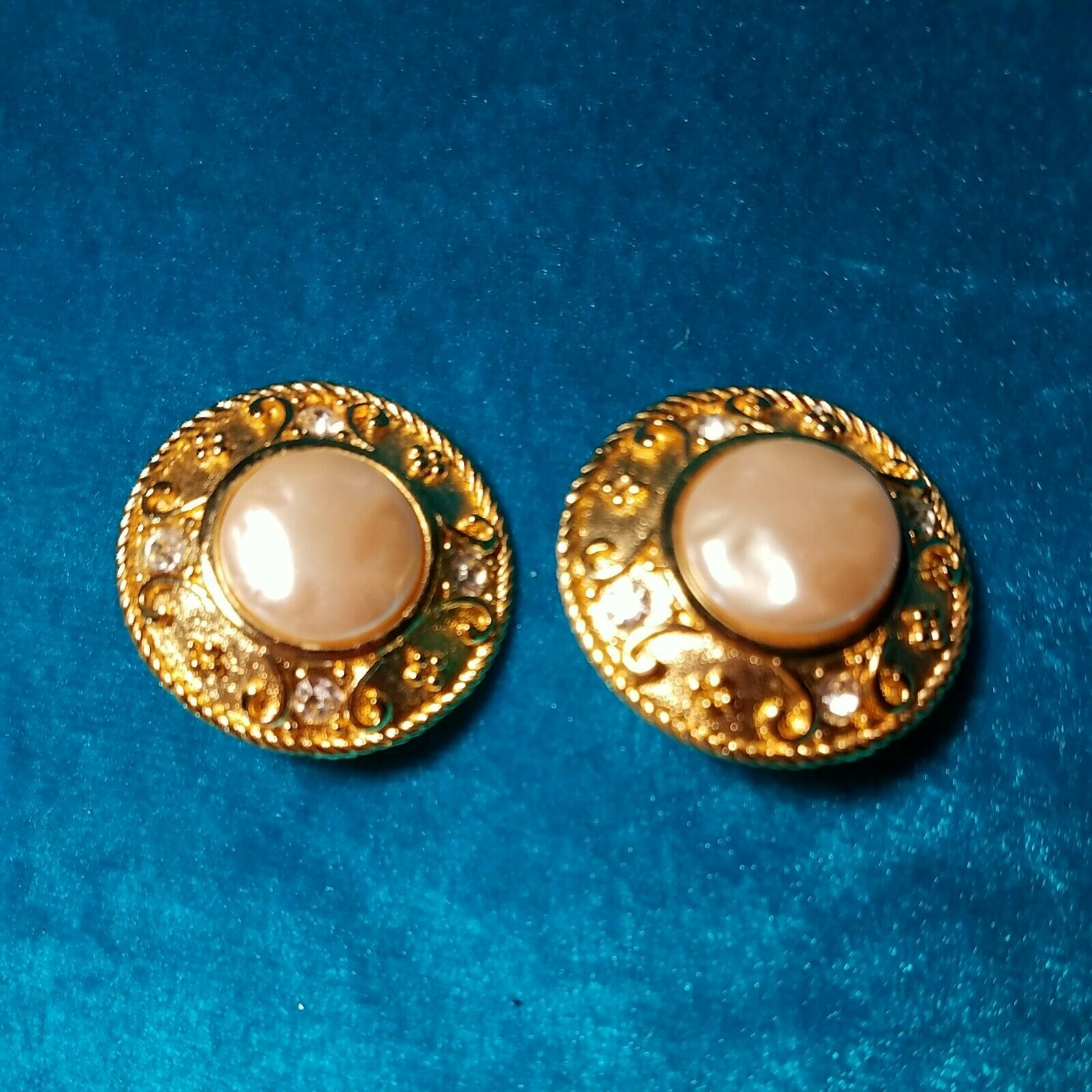 Premier,USA Encircled Pearl Gold Statement Earrings Pearl Earrings Vintage Earrings Vintage Jewelry Clip On Earrings