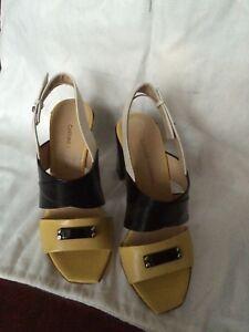 FAB-Costume-National-Crema-Negro-Amarillo-Tacones-36-UK4-Zapatos-Rrp-400