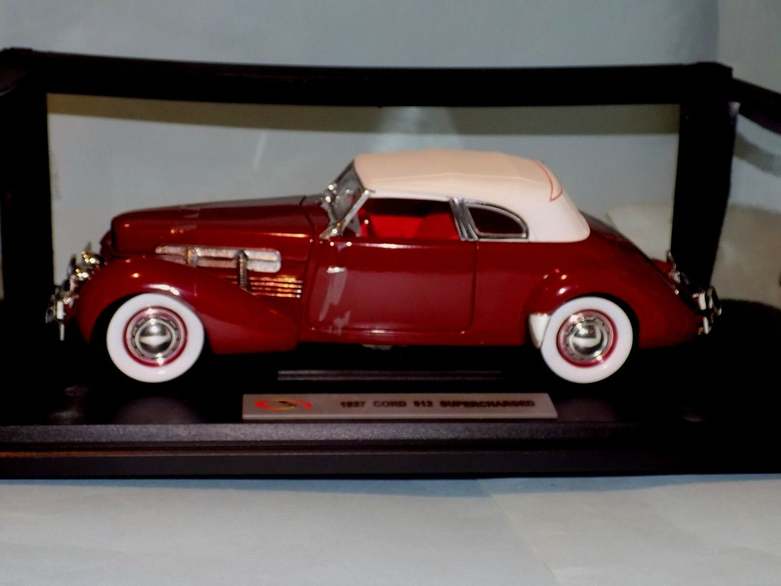 CORD  812 SUPERCHARGED  RED 1937  SIGNATURE  18112 1 18