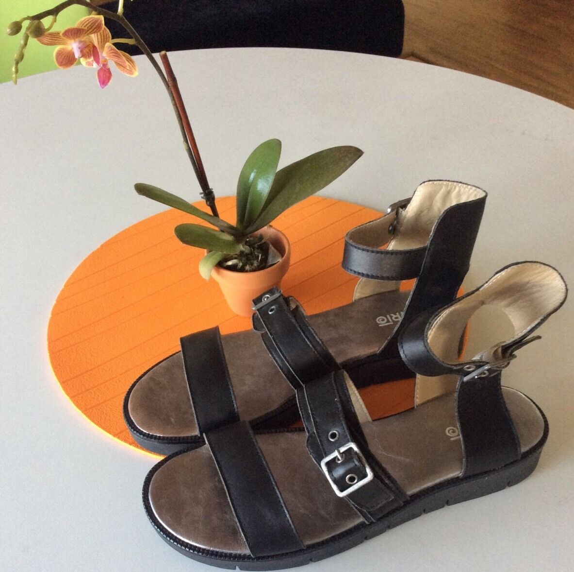 245 NWOB- KHRIO Fast Buckle Platform SANDALS Leather Ankle Strap EU 41 US 9.5