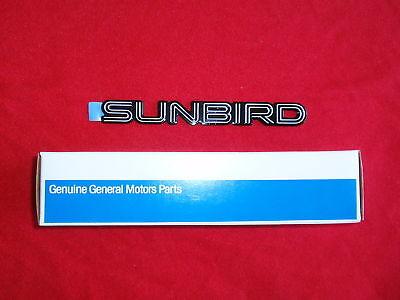 "NEW OEM Silver Pontiac /""SUNBIRD/"" Nameplate Emblem Badge 22580257"