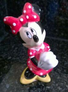Vintage-Walt-Disney-World-Porcelain-China-Minnie-Mouse-Figurine-Great-Condition