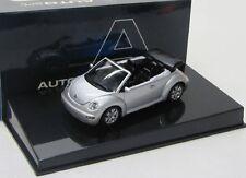 VW NEW BEETLE Cabrio (2003) Reflex Argento Met./Autoart 1:43