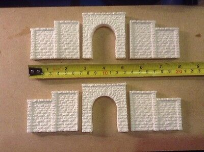 2x Tunnel & 4 Walls -n Scale Gauge- Rough Stone Style- Unpainted, Stepped Wall Costruzione Robusta